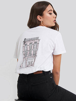 T-shirts - NA-KD City Print Oversized Tee vit