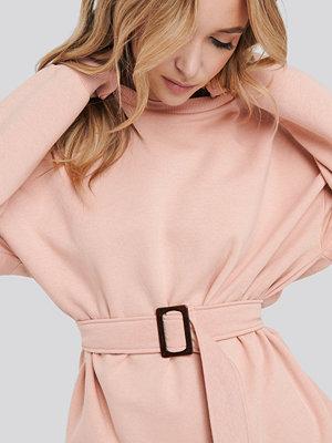 NA-KD Belted Sweatshirt rosa