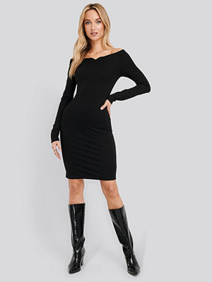 NA-KD Party Slip Shoulder Bodycon Dress svart
