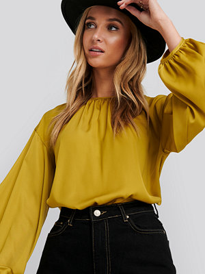 NA-KD Round Neck Peasant Blouse gul