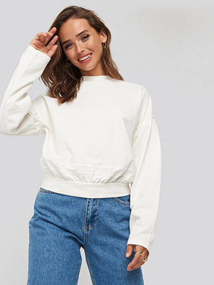 NA-KD Contour Seam Deatil Sweater vit