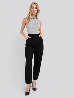 NA-KD Trend Cropped Balloon Leg Jeans svart
