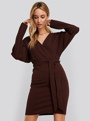 NA-KD Kimono Sleeve Mini Dress röd