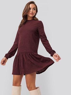NA-KD Round Neck Jersey Dress röd