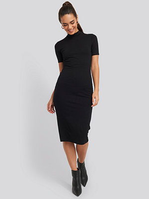 NA-KD Basic High Neck Bodycon Midi Dress svart