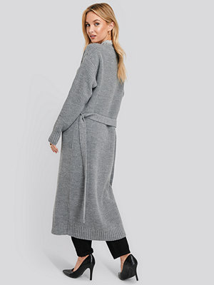 Cardigans - NA-KD Belted Maxi Cardigan grå
