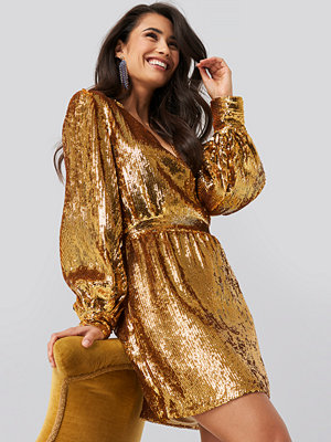 NA-KD Party Heavy Sequin V-Neck Dress guld