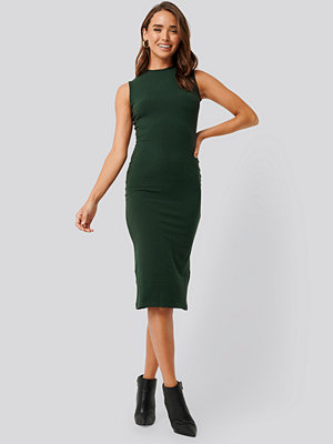 NA-KD Basic Sleeveless Ribbed Midi Dress grön