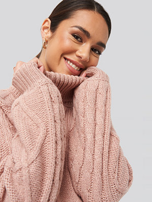NA-KD Cable Sleeve Knitted Sweater rosa