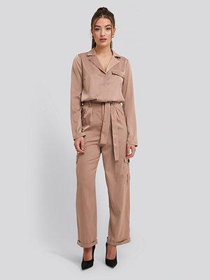 NA-KD Trend Satin Lounge Pants beige byxor