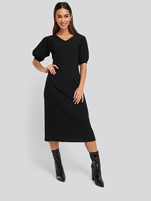 NA-KD Textured Midi Dress svart