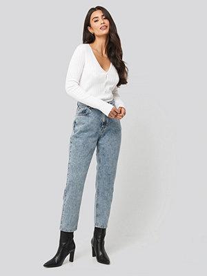 Dilara x NA-KD High Waist Cropped Jeans blå