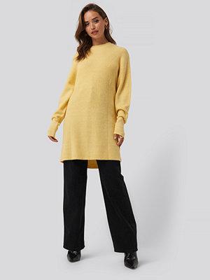 NA-KD Round Neck Knitted Long Sweater gul