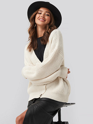 NA-KD Ribbed Drop Shoulder Cardigan vit