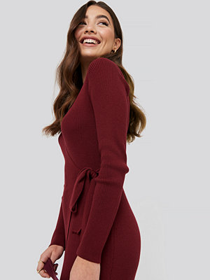 NA-KD Trend Rib Knitted Dress röd