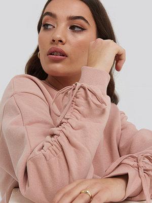 NA-KD Tie Sleeve Sweatshirt rosa