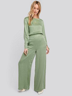 NA-KD omönstrade byxor Wide Leg High Waist Pants grön