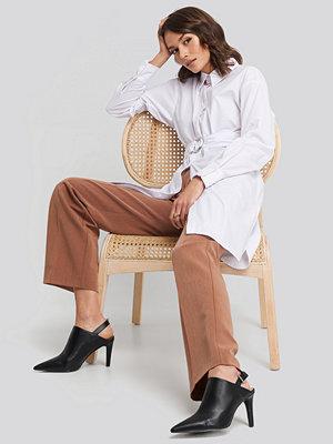 NA-KD Classic O-ring Belted Shirt Dress vit