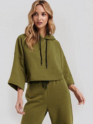 NA-KD Half Sleeve Cropped Hoodie grön