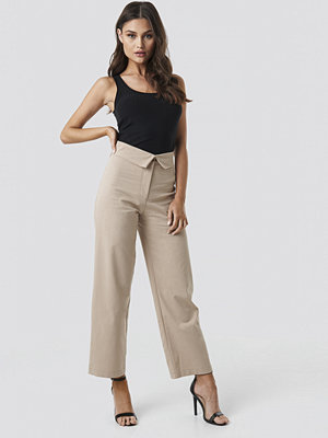 NA-KD byxor Turn Down Cotton Blend Pants beige