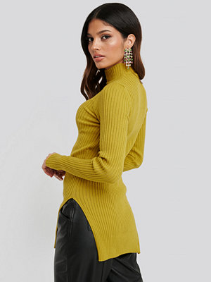 NA-KD Side Split Ribbed Sweater gul