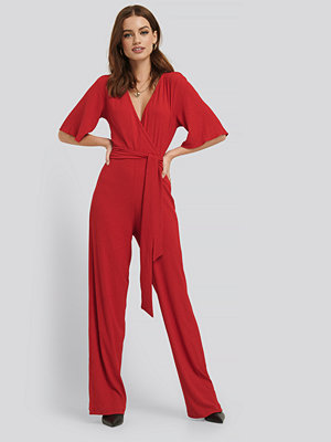 NA-KD Wrap Front Jersey Jumpsuit röd