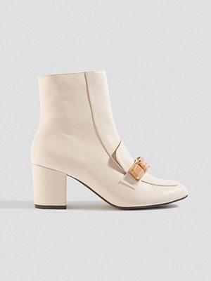 Pumps & klackskor - NA-KD Shoes Resin Gem Loafer Ankle Boot nude