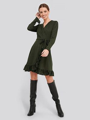 Trendyol Binding Detailed Dress grön