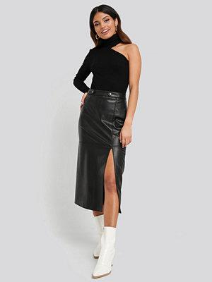 NA-KD Faux Leather Side Slit Skirt svart