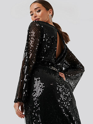 NA-KD Party Trumpet Sleeve Sequin Dress svart