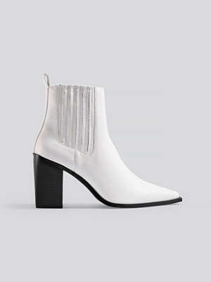 NA-KD Shoes Pointy Block Heel Boots vit