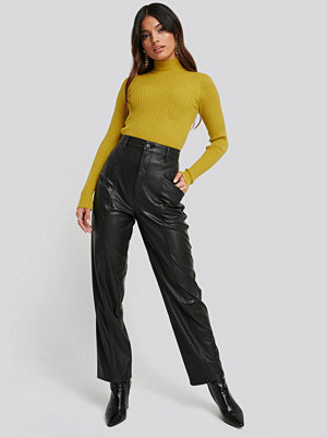 NA-KD svarta byxor Faux Leather Straight Leg Pants svart