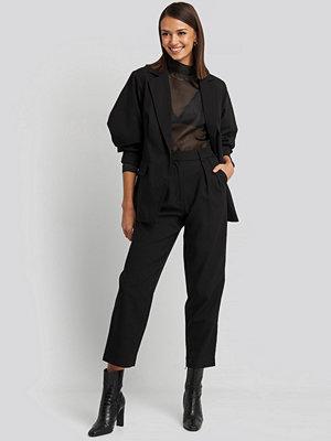 NA-KD Classic byxor Oversized Suit Pants svart