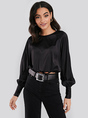 NA-KD Party Drawstring Detail Satin Blouse svart