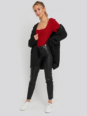 NA-KD Trend svarta byxor Front Detail Seam Pu Pants svart