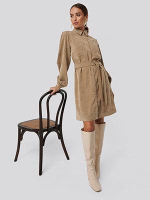 NA-KD Trend Corduroy Tied Waist Shirt Dress beige