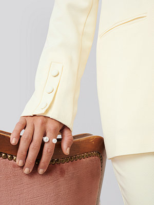 Erica Kvam x NA-KD smycke Pearl Ring guld