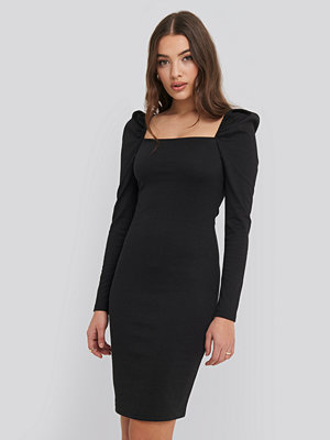 NA-KD Party Puff Shoulder Bodycon Dress svart