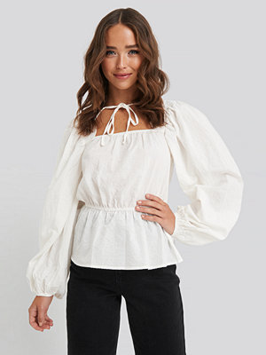 NA-KD Boho Scalloped Neckline Blouse vit