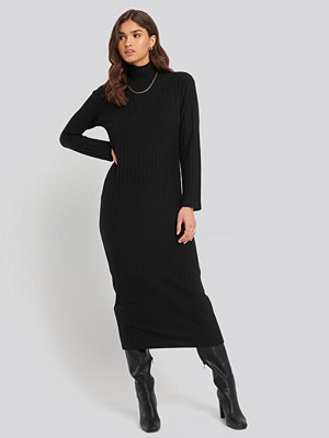 NA-KD Trend High Neck Ribbed Ankle Length Knitted Dress svart