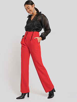 NA-KD Classic röda byxor High Waist Darted Pants röd