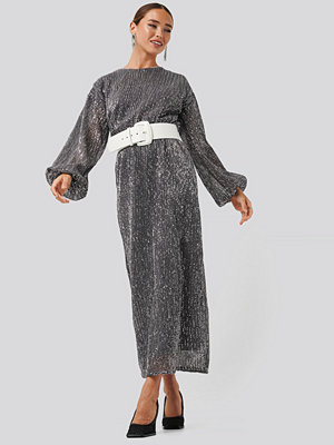 NA-KD Party Open Back Sequin Dress grå