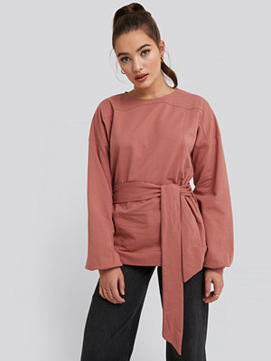 NA-KD Yoke Fitted Sweater rosa