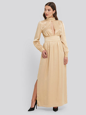 NA-KD Party High Neck Open Back Maxi Dress beige