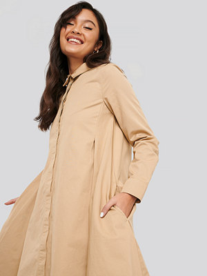 NA-KD Asymmetrical Shirt Dress beige