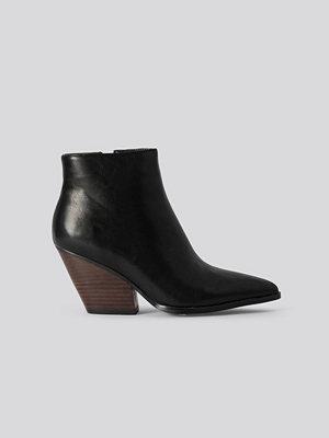 Pumps & klackskor - NA-KD Shoes Western Heel Pointy Boots svart