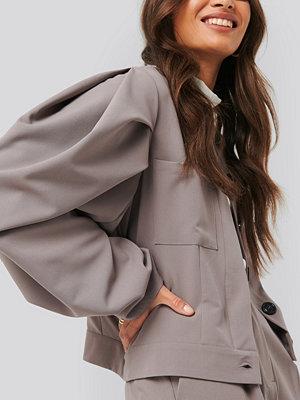 NA-KD Classic Balloon Sleeve Short Jacket brun