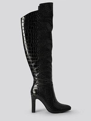 NA-KD Shoes Glossy Reptile Overknee Boots svart