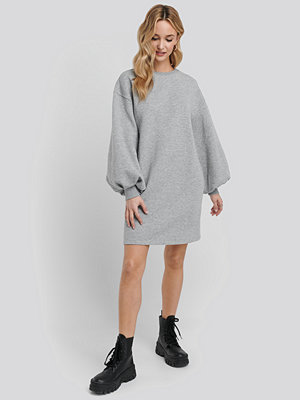 NA-KD Puff Sleeve Sweatshirt Dress grå