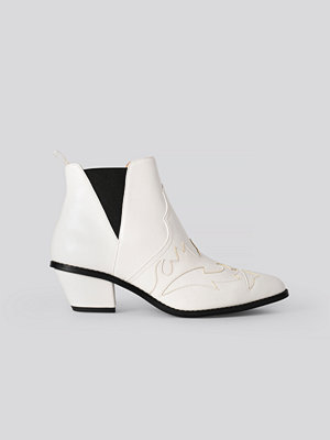 NA-KD Shoes Ankle Cowboy Bootie vit